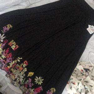 NWT LuLaRoe maxi skirt with floral border, L